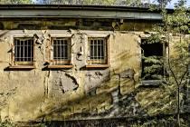eine-Ruine-der-ehemaligen-Limbergkaserne-1