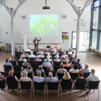 Bilder von unserer Vernissage im botanischen Garten